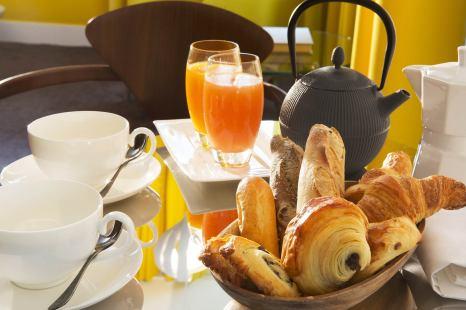 El tentador petit-déjeuner del hotel.