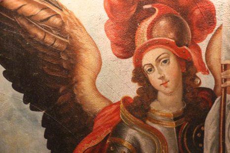 Detalle de una de las pinturas que decoran los pasillos del hotel.