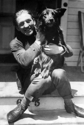 Georges Carpentier con un perro, 1921. Foto: Spaarnestad.