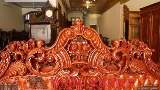 chi tiết hoa lá tây bàn ghế hoàng gia gỗ gõ đỏ