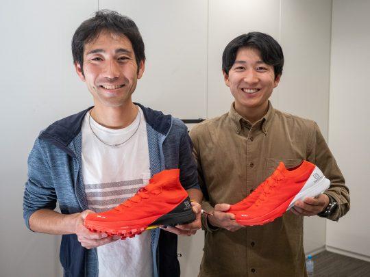 展示会会場ではサロモンアスリートの大瀬和文選手(左)、藤飛翔選手からも新モデルについて教えていただきました。