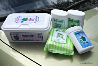 earthbath-wipes-on-the-road