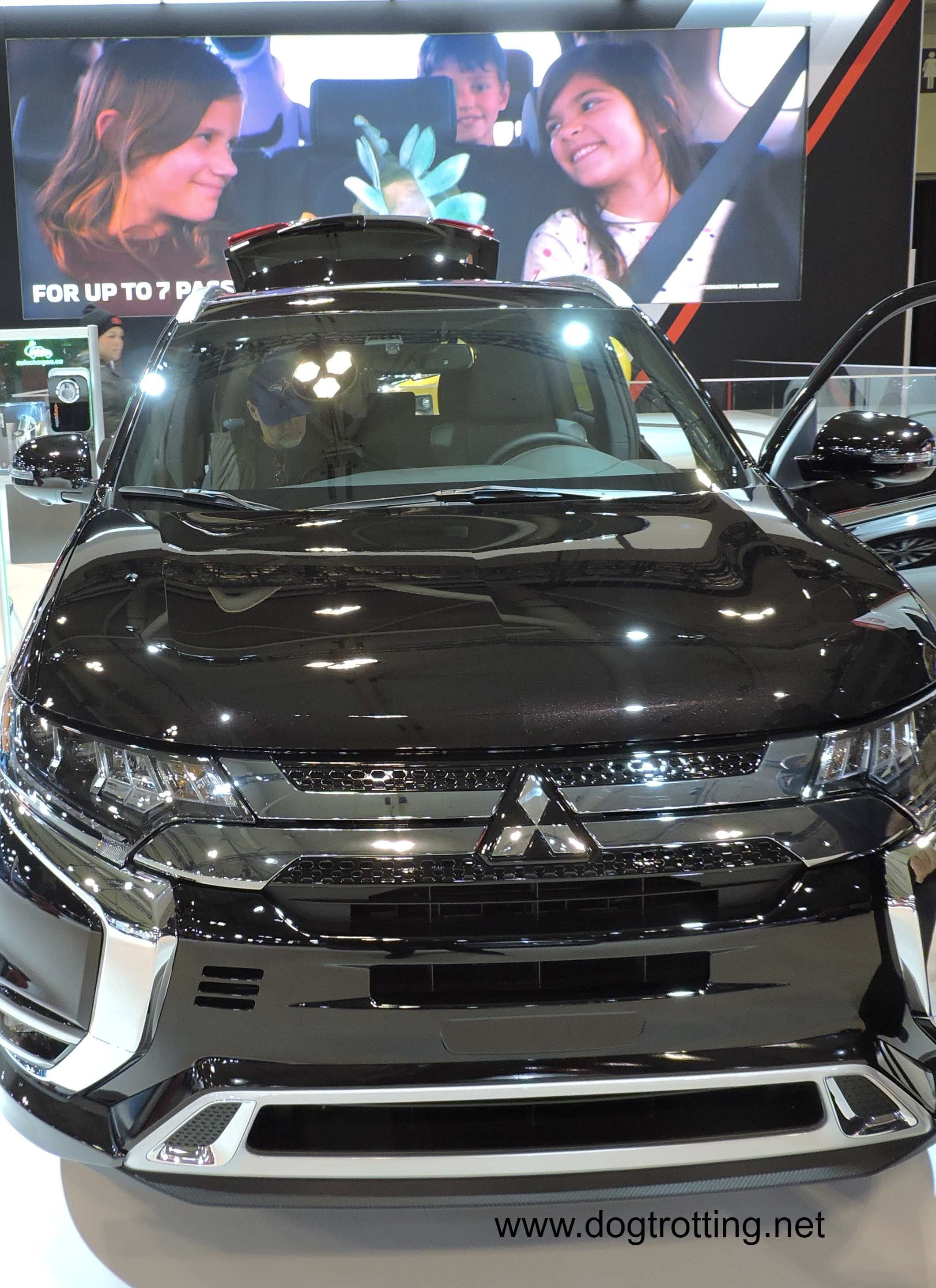 Mitzubishi Outlander car at auto show