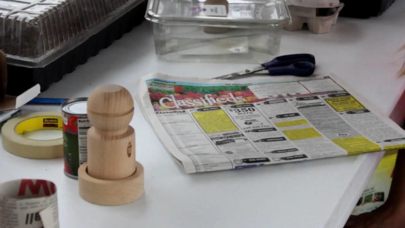 make DIY seed starting pots out of newspaper