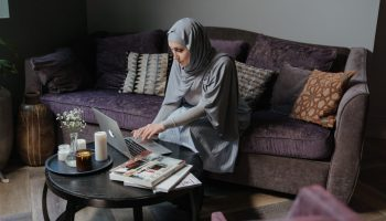 distance learning a woman