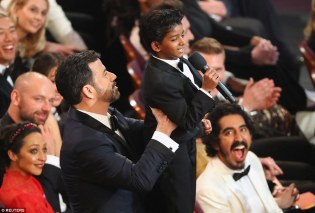 3dbbc62200000578-4278336-on_sunday_he_melted_hearts_at_the_oscars_when_he_was_lifted_up_b-a-31_1488549822086