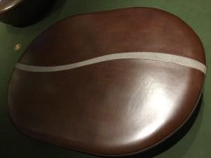 コーヒー豆型クッション椅子