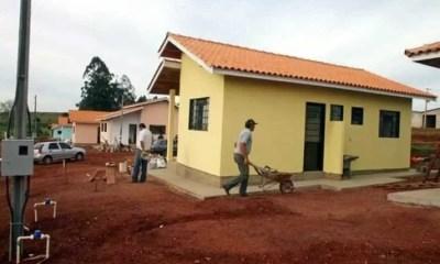 Brésil, Une église ,utilise , Dîmes, Construire ,maisons, Les Sans Abri