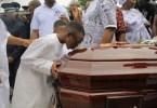 52 ,photos ,la Tombe , Dj Arafat ,profanée,s Individus ,inhumation