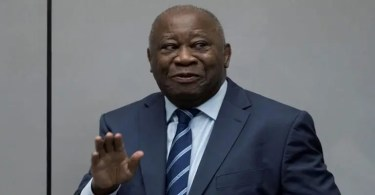 Belgiquecette photo Gbagbocompagnie seconde épouse buzz sur la toile - Belgique: cette photo de Gbagbo en compagnie de sa seconde épouse qui fait le buzz sur la toile