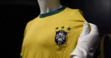 topelement 1 - Un maillot de Pelé vendu 30 000 euros aux enchères
