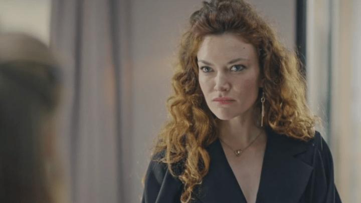 Plus belle la vie 31/08/2021 : Laetitia découvre la vérité sur Valentin [SPOIL]