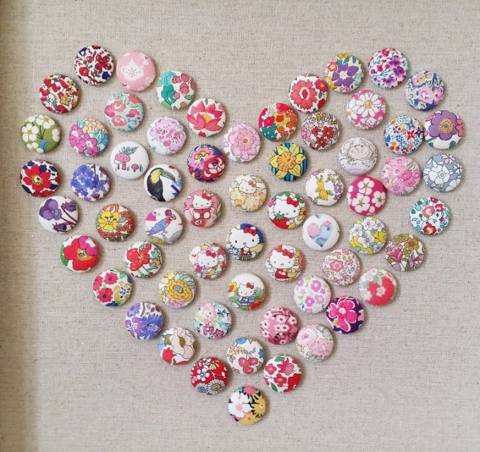 mad-for-fabric-fabric-push-pin-heart-art-close-up