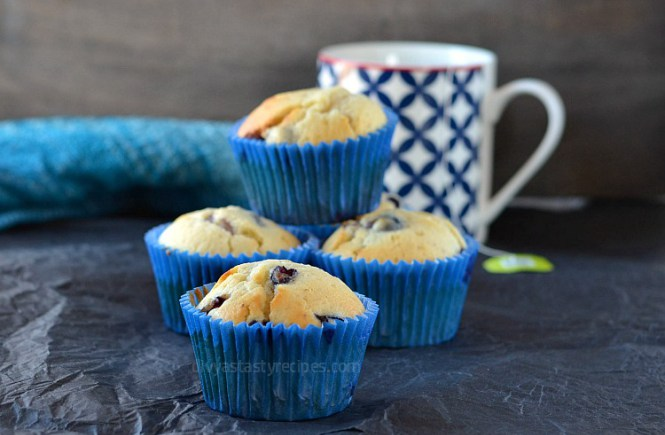 perfect-blueberry-yogurt-muffins