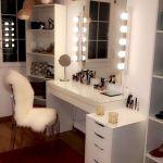 30 Beautiful DIY Bedroom Fairy Lights (30)