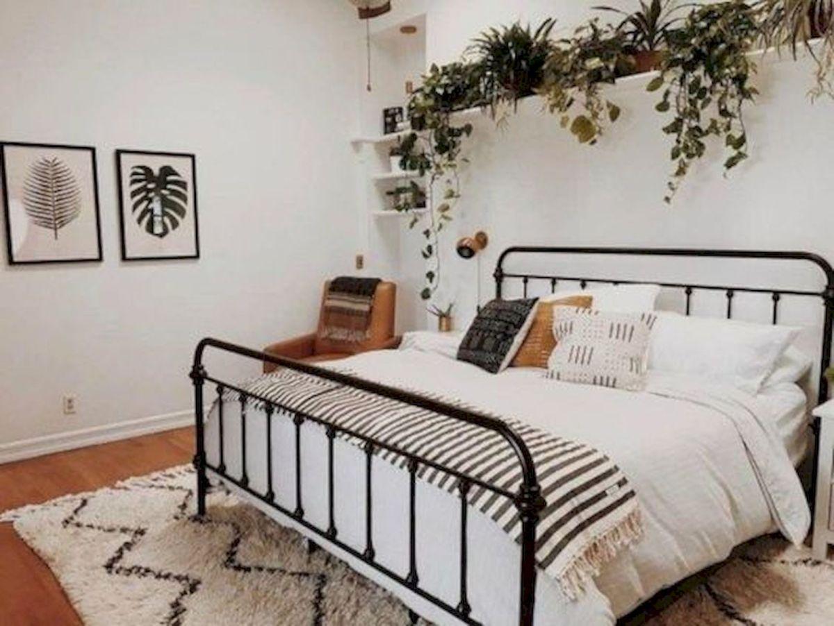55 Romantic DIY Bedroom Decor for Couple (29)