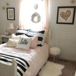 55 Romantic DIY Bedroom Decor for Couple (41)