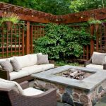 60 Awesome DIY Backyard Privacy Design and Decor Ideas (27)