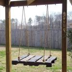 30 Creative DIY Wooden Pallet Swing Chair Ideas (9)