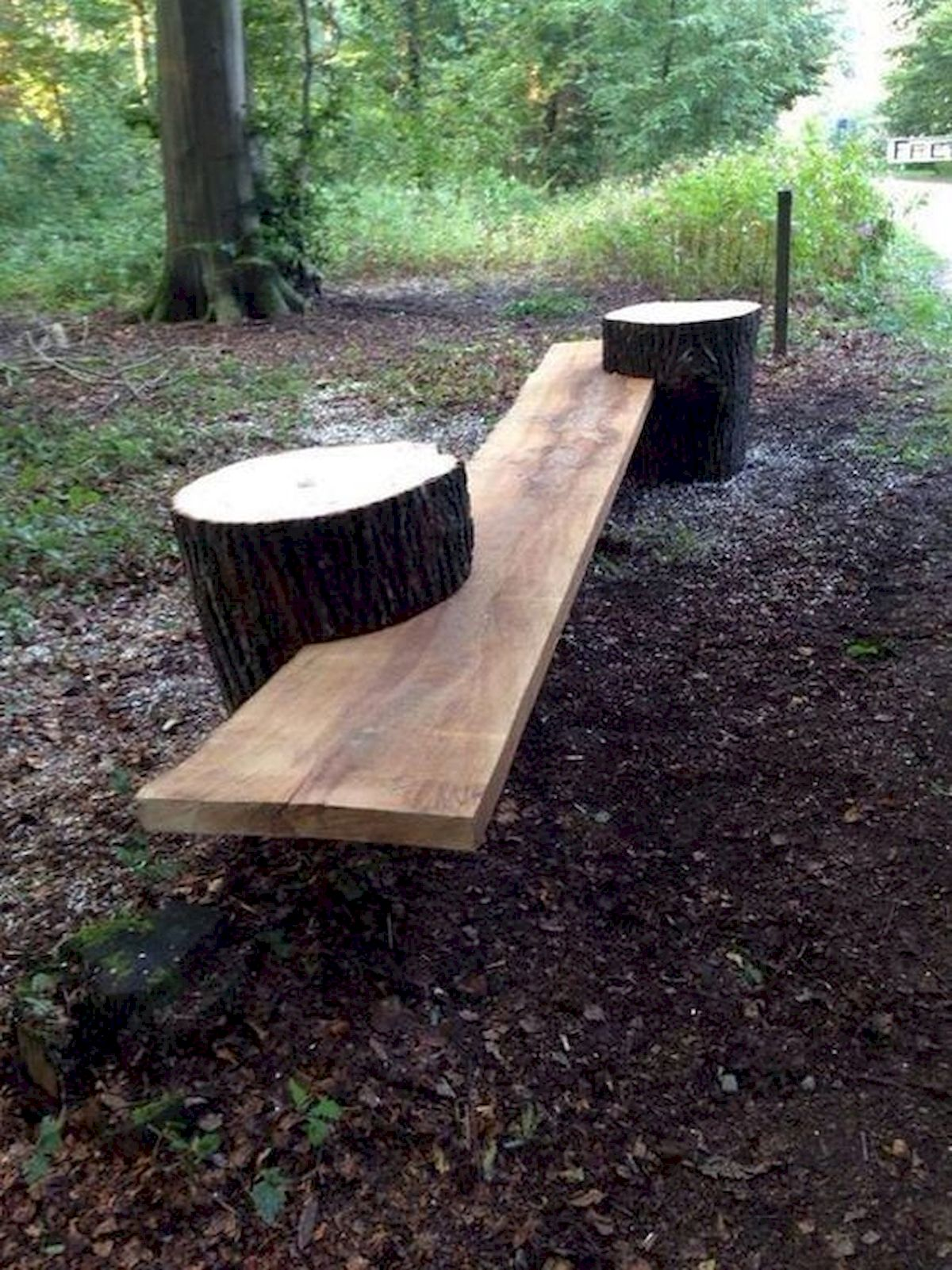 40 Awesome DIY Outdoor Bench Ideas For Backyard And Front Yard Garden (22)