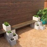 40 Awesome DIY Outdoor Bench Ideas For Backyard and Front Yard Garden (38)