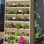 44 Creative DIY Vertical Garden Ideas To Make Your Home Beautiful (32)