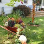 35 Beautiful DIY Fall Outdoor Decor Ideas You Will Like (26)
