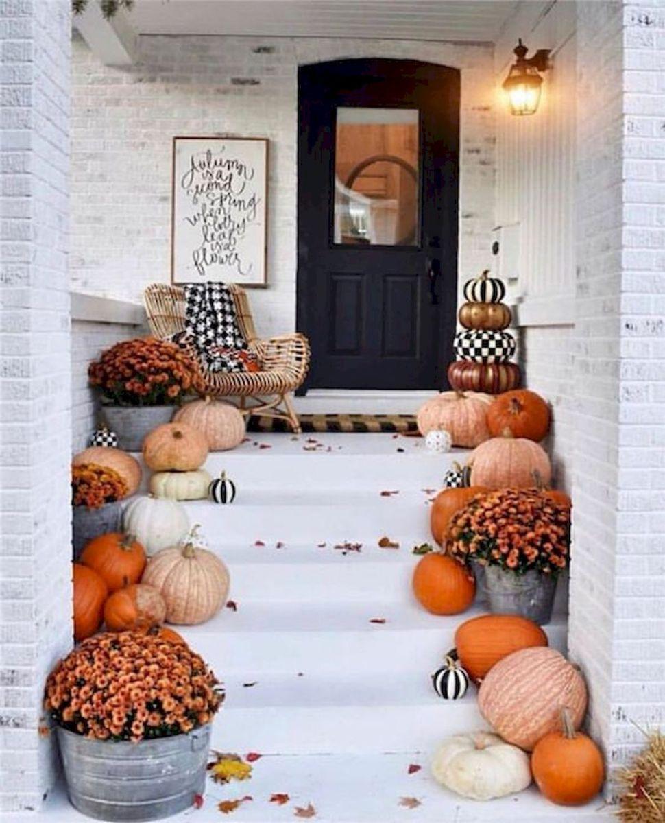 40 Fantastic DIY Fall Front Porch Decorating Ideas (21)
