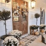 40 Fantastic DIY Fall Front Porch Decorating Ideas (29)