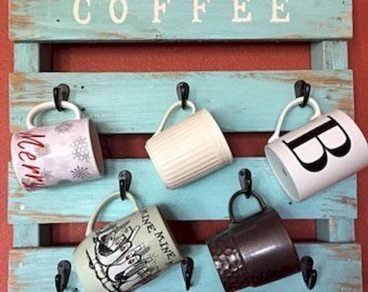 35 Easy DIY Wooden Pallet Mug Rack Ideas Everyone Can Do This (27)