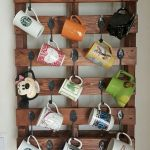 35 Easy DIY Wooden Pallet Mug Rack Ideas Everyone Can Do This (8)