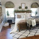 40 Fantastic DIY Decor Ideas For Farmhouse Boho Bedroom Design (39)