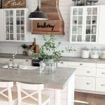 20 Beautiful Farmhouse Kitchen Backsplash Decor Ideas And Remodel (16)