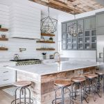 20 Best Farmhouse Kitchen Lighting Decor Ideas and Remodel (17)