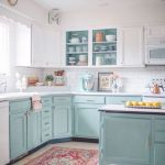 20 Stunning Farmhouse Kitchen Cabinets Decor Ideas and Remodel (15)