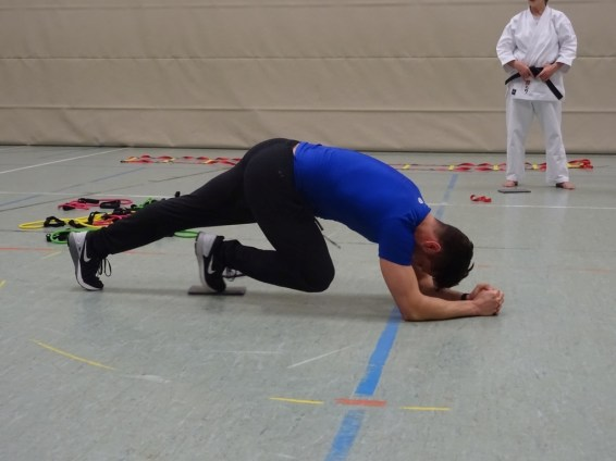 Training mit Murat Sümercan beim Kampfkunst Dojo Detmold e.V.