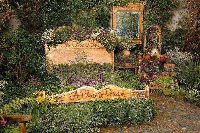 image8-28 | Как украсить сад с помощью старой мебели