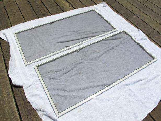 1432665346973 | Как очистить москитные сетки