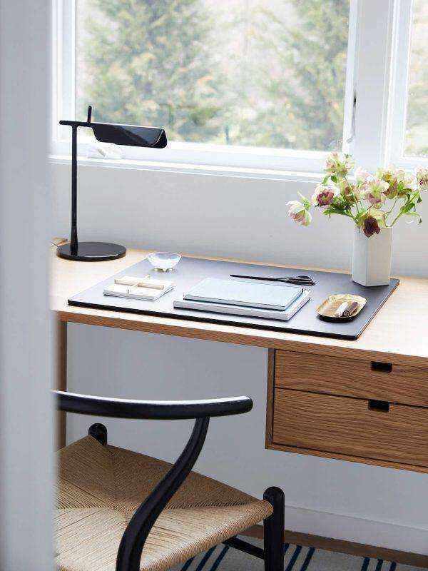 porcelain-inner-long-line-danish-designer-table-lamps-600x800 | Необычное рядом: дизайнерские настольные лампы