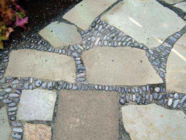1420869944242 | Как сделать мозаичный пол во дворе из натурального камня