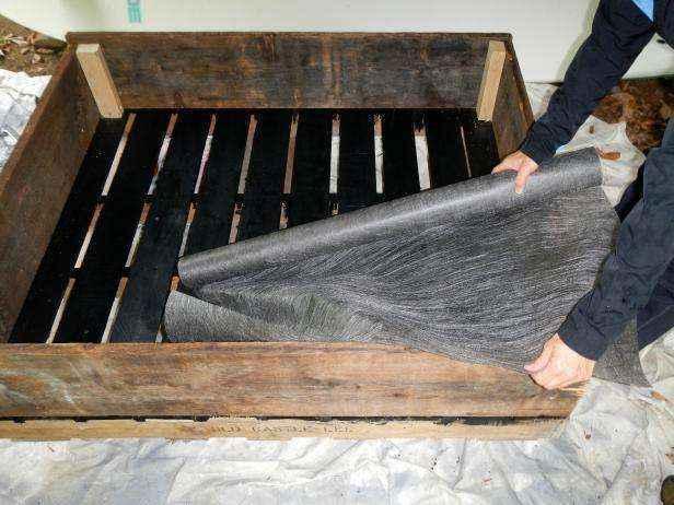 image10-18   Как сделать передвижную грядку на колесах из старых поддонов