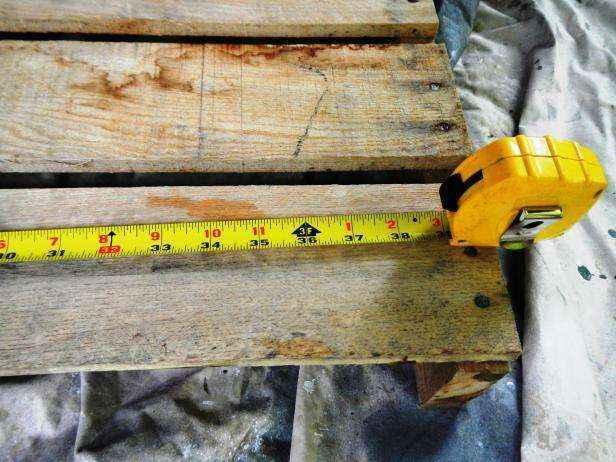 image2-55 | Как сделать передвижную грядку на колесах из старых поддонов