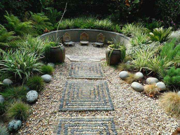 image7-18 | Какой материал выбрать для садовой дорожки