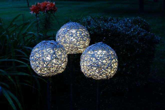 image14-24   Как сделать необычные садовые фонари своими руками