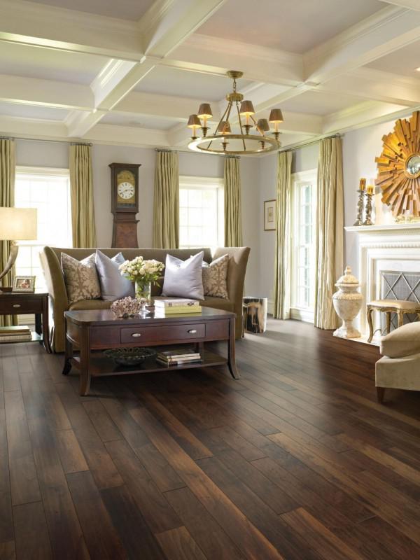 image27-1   30 идей темного деревянного пола в гостиной