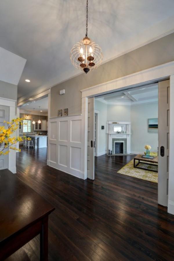 image7-20   30 идей темного деревянного пола в гостиной