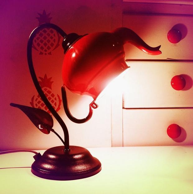 image11-37 | Потрясающие идеи самоделок из чашек и чайников