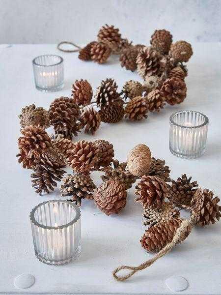 image20 | Праздничный декор из шишек своими руками
