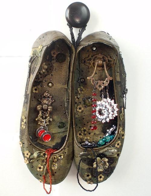 image4-47   Полезные самоделки из старой обуви