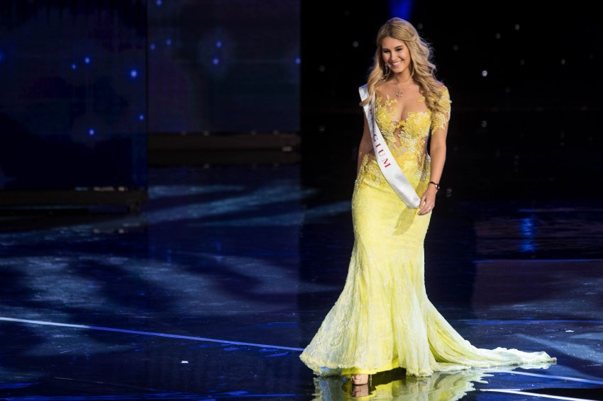 Miss Belgium Lenty Frans is pictured during the Grand Final of the Miss World 2016 pageant at the MGM National Harbor December 18, 2016 in Oxon Hill, Maryland. / AFP PHOTO / ZACH GIBSON